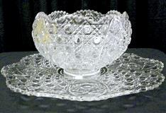 11 qt. Daisy & Button Punch Bowl with Tray